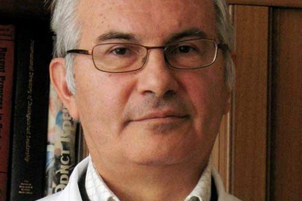 проф. д-р Куманов