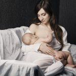 Кърмене на новородено бебе